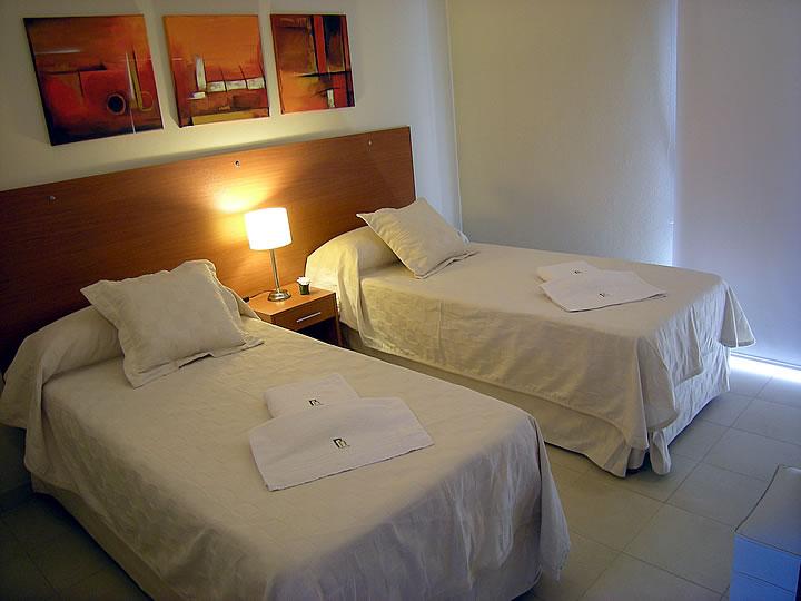 Doble twin camas individuales fotos de habitaciones - Habitaciones de dos camas ...